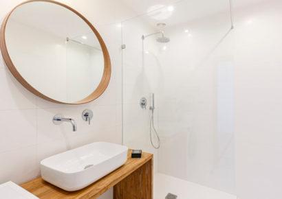 Soluciones Electrón: Iluminación en baños
