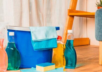 Limpiar y desinfectar el hogar: la lucha contra el COVID-19