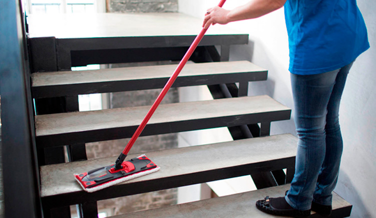 Limpieza de comunidades: ¿por qué confiar en una empresa de limpieza?